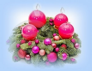 purple-advent-wreath-17271309